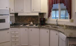 Budget friendly way to update an ugly countertop #reno #kitchen